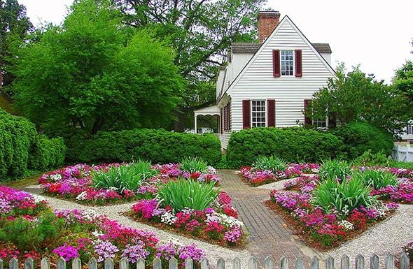 Цветники и клумбы на даче